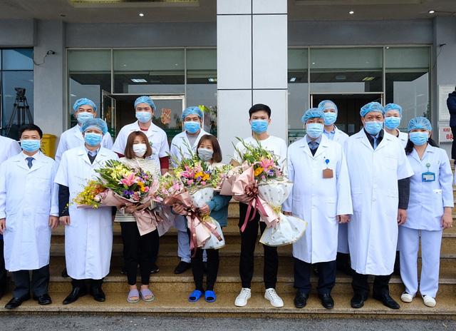 Thêm 6 bệnh nhân COVID-19 bình phục, 3 người sẽ xuất viện ngày 27-3