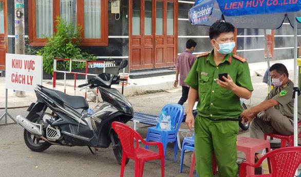 eDoctor - Phong tỏa 17 nhà ở quận Tân Phú vì có người tái dương tính COVID-19