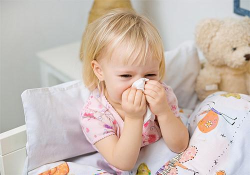 eDoctor - Bí quyết cho con khỏe mạnh: Trẻ viêm mũi và họng nên ăn gì?