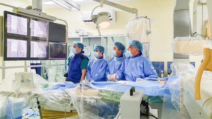 eDoctor - Bản tin sức khỏe 17/03/2021 - Việt Nam ghi nhận trường hợp thay xương sên nhân tạo thành công đầu tiên