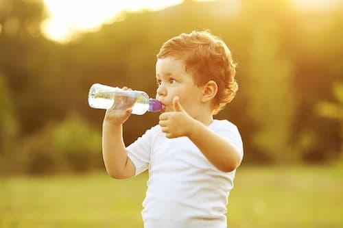 eDoctor - Bị sỏi thận: Uống nhiều nước có hiệu quả?