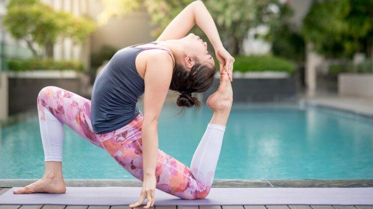 eDoctor - 5 tư thế yoga tập luyện mỗi ngày giúp da đẹp rạng ngời